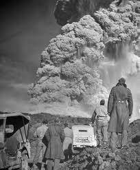 「1906–Mount Vesuvius erupts and devastates Naples」の画像検索結果