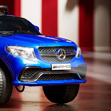 This realistic ride on has a real working steering wheel and pedals. Amazon Com Huffy Mercedes Benz Kids Electric Battery Powered Ride On Car W Lights Sounds Mp3 Player Royal Blue 17548p Toys Games