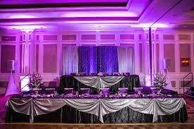 Bride Groom Table Decoration Reception Seating For The Bride And Groom Houston Wedding