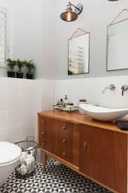 Classic Bathroom Suites 1000 Ideas About Vintage Bathrooms On Pinterest Vintage