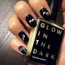 DIY Your Own Googly Glow-in-the-Dark Halloween Nail Art   Googly ...