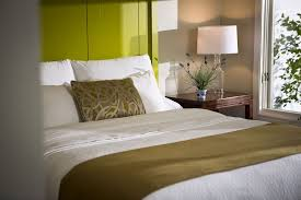 Equinox main hotel deluxe Gym Guestroom Icruisecom Inns At The Equinox Mount Snow Ski Packages 201819 Snowpak