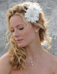 Wonderful Side Ponytail Wedding Hairstyle with Flowered Headband ...