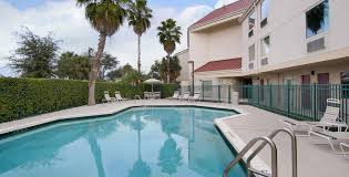 red roof plus west palm beach outdoor swimming pool image