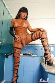 Beautiful Brunette Stripping Xxxpicz