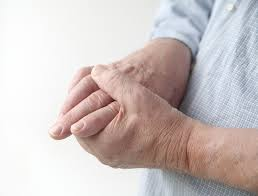 There are numerous symptoms and signs associated with degenerative arthritis