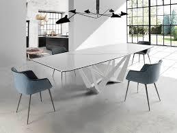 Rechteckiger Esstisch Mit Stahlgestell Und Tischplatte Aus Keramik
