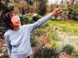 Carolyn Singer, master gardener, gardening columnist for The Union ...