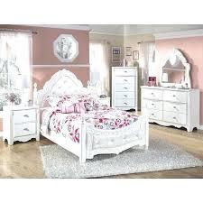 Post Bedroom Furniture Sets Four Post Bedroom Set Poster Bedroom Furniture  Sets Large Post Bedroom Furniture . Post Bedroom Furniture ...