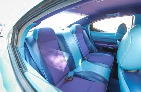 2006 dodge charger back seats 005