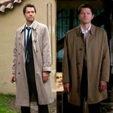 is it weird for men to wear a trench coats these days quora