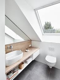 Pin Von Roksana Klag Auf łazienka Bathroom Attic Bathroom