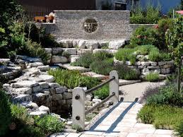 Pflegeleichter Garten Anlegen Images Garten Mit Steinen