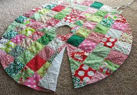 20 Free Quilted Christmas Tree Skirt Patterns | Guide Patterns & Quilted Christmas Tree Skirt Pattern Adamdwight.com