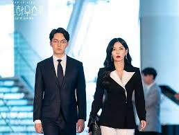 The hit sbs drama centers around the penthouse, an apartment complex reserved for those at the top of the social pyramid. Penthouse 3 War In Life Episode 8 Will Seo Jin Kill Logan Despite Yoon Cheol S Efforts