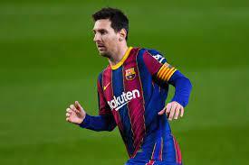 ما أسباب رحيل ميسي؟ وكيف فشل برشلونة في تسجيله رسميًا؟