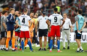 After the initial infection, the virus lies dormant in your body and can reactivate several times a year. Hamburger Sv Verliert Nachstes Derby Gegen St Pauli