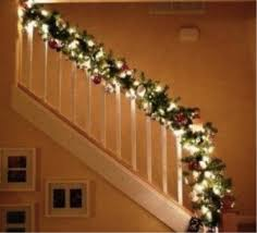 Christmas Garland With Lights For Stairs (19)