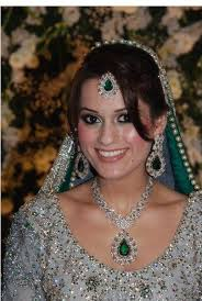 bridal makeup new look beauty parlour la one of the best salons in city