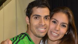 Qualifier Cesar Salazar (pic with his girls friend) downed England's World No17 Adrian Grant as the Mexican had the better end of the 5-games encounter ... - cesar-salazar-with-his-girl-friend-world-open-2011-545x308