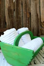 how to repurpose a wood tote for towels