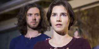 amanda knox s elegant essay on prison love amanda knox has written about prison love sex and r ce