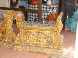 Alat musik gamelan biasanya terdiri dari satu set perangkat gambang, kendang, gong, demung, saron dan peking yang ditonjolkan. Instrumen Musik Perkusi Wikipedia Bahasa Indonesia Ensiklopedia Bebas