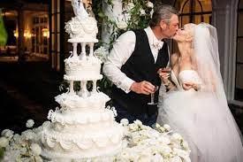 Blake and Gwen's Wedding Cake Had a ...