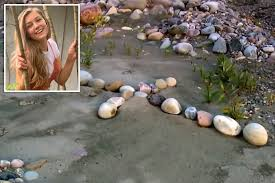 Sep 20, 2021 · police find body believed to be missing van trekker gabby petito. Lj Sxjowgkzium