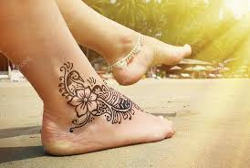 Henna Tetování Na Nohu Na Pláži Stock Fotografie Happyalex 83371036