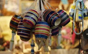 Si bien la comida, música o el arte son consideradas como expresiones culturales, existe un tipo del cual poco se habla pero que es muy popular y querido, sobre todo por los niños. Juegos Tradicionales Mexicanos Para Divertirse En La Cuarentena Mexico Desconocido