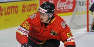 Trikots für eishockey jetzt designen! Deutsche Eishockey Nationalmannschaft Wieder In Rot