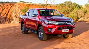 2017 Toyota HiLux SR5 Double Cab 4X4 Manual Review | Loaded 4X4