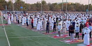بالكمامات والتباعد الاجتماعي.. المسلمون يؤدون صلاة عيد الأضحى حول العالم ـ  (صور)