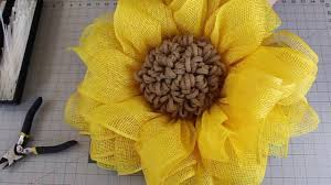 seeded sunflower wreath tutorial