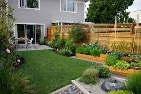 Small Picture Experiments Aplenty Fill Vancouver Edible Garden