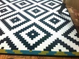 round chevron rug black and white round chevron rug runner