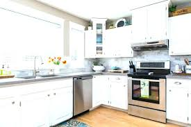 best to clean kitchen cabinets best way to clean grease off laminate kitchen cabinets