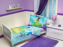 image of toddler bedding set