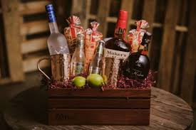 the brobasket gift baskets for men makers mark gift dos maderas gift