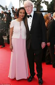 young michael caine wife. Modren Michael Michael Caine Right Has Revealed That His Secret To A Happy Marriage With  Wife To Young Wife I