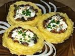 Картофельные гнезда с курицей и грибами рецепт