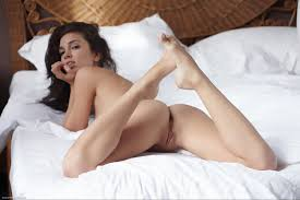 Pretty naked brunettes video