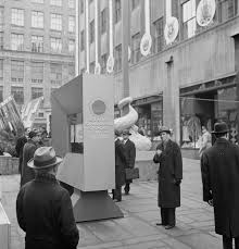 images 2 home office radio museum collection. 1943 \u201cUnited Nations\u201d Exhibition Of Photographs Presented By The United States Office War Information (OWI) On Rockefeller Plaza. Images 2 Home Radio Museum Collection E