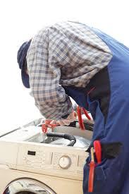 Ein sackkarren für eine waschmaschine sollte hingegen bis zu 100 kilogramm aushalten können. Waschmaschine Tragen So Geht S Am Leichtesten