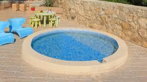 30 backyard small pool ideas