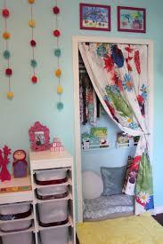Eine Kuschel Und Leseecke Im Kinderzimmer Gestalten Und Dekorieren
