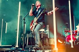 queens of the stone age played msg broke up a crowd fight pics s