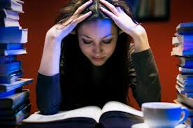 Достоинства и недостатки написания диплома на заказ Общество  Бесспорно каждый студент в конце своего обучения в высшем учебном заведении столкнется с проблемой написания диплома Перед ним будет стоять выбор