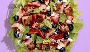 Wendy's Brings Back Berry Burst Chicken Salad | QSR magazine